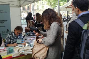 Manel Saltor en la Firma de libros Sant Jordi en Barcelona